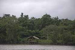 Temporary Home in the Wini River - panoramio.jpg