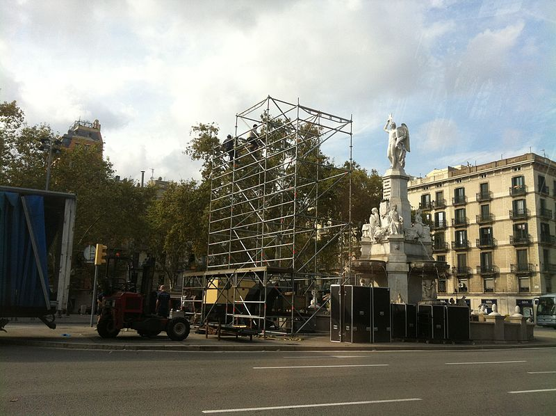 Fitxer:The Day before Catalan march 2012 (2).JPG