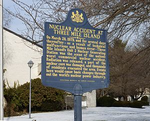 Three Mile Island accident - A sign dedicated in 1999 in Middletown, Pennsylvania near the plant describing the accident and the evacuation of the residents in the area.