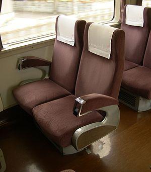 Tobu 200 series - Image: Tobu 200 206F seat