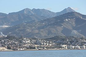 Torre del Mar, view from the beach to the mountains and to Algarrobo.jpg