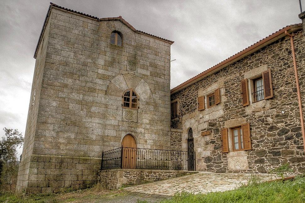 Torres de Nogueira, San Roque, Coristanco
