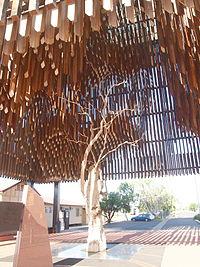 Tree of knowledge monument 1.jpg