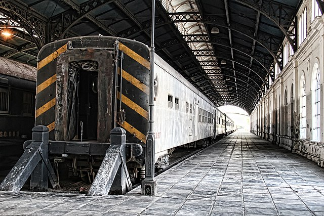 4-10th place: Train at Tucumán Station, by Constanza Benintende