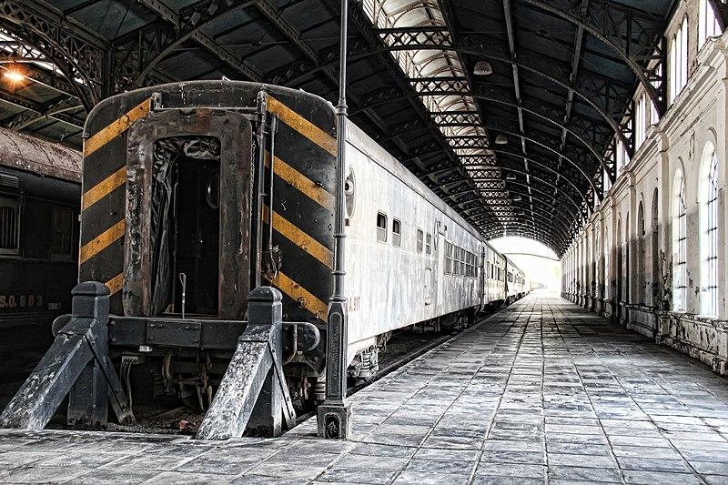 Tren en la Estación Mitre de Tucumán