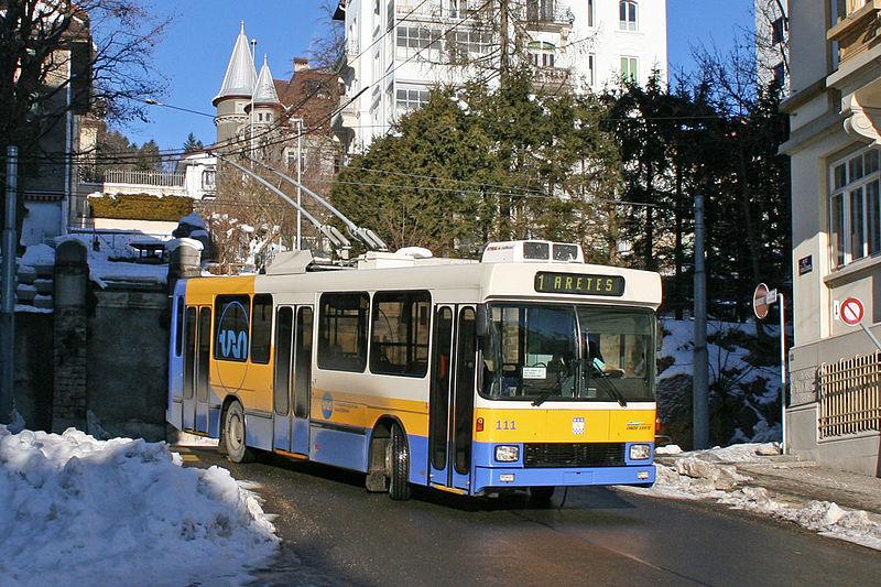 File:Trolleybus 111 TC La-Chaux-de-Fonds.jpg