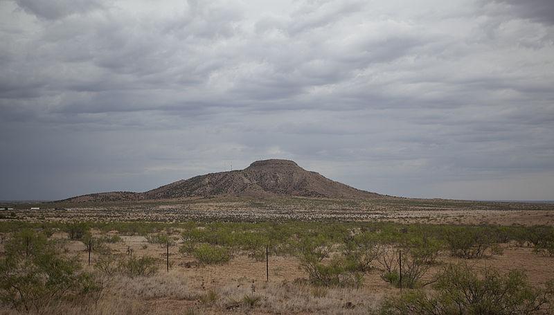File:Tucumcari Mountain, Quay County, New Mexico, 2011.jpg