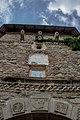 Turn clopotniță de intrare in Manastirea Moldovita 03.jpg
