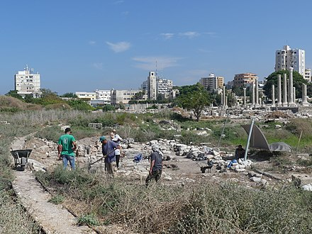 Excavations by archaeologists from the University of Lyon at the Al Mina / City site in 2019 TyreCitySite ArchaeologicalExcavations UniversityOfLyon RomanDeckert09102019.jpg