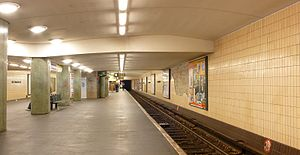 Kurt-Schumacher-Platz (Berlin U-Bahn) - The platform at Kurt-Schumacher-Platz
