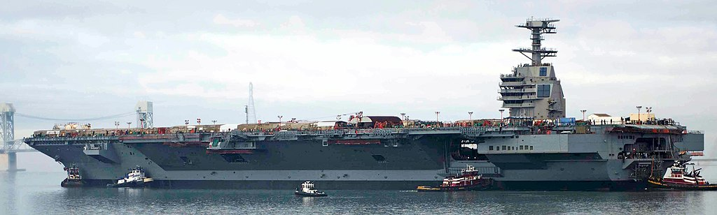 FERRAILLAGE 1024px-USS_Gerald_R._Ford_%28CVN-78%29_on_the_James_River_in_2013
