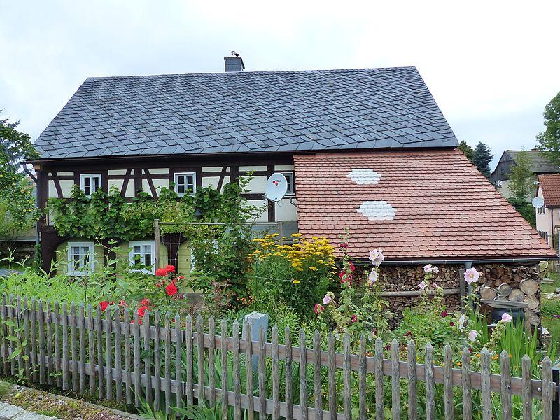 File:Umgebinde Wilhelm-Fröhlich-Weg 21 Bertsdorf (4).jpg