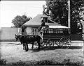 Un omnibus de la Quebec Street Railway vers 1890.jpg