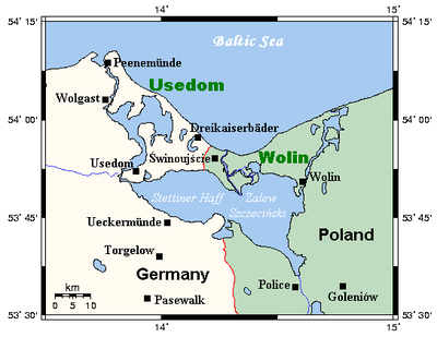 Oder Lagoon area with border on western bank of the Oder, city of Szczecin to the south. UsedomWolin.png