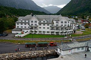 Eidfjord - View of a hotel in Eidfjord village