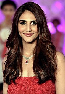 Vaani Kapoor walks the ramp for Payal Jain.jpg