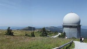 Velký Javor - zařízení na vrcholu F.JPG