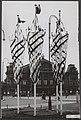 Versieringen en vlaggen tgv het bezoek van President Coty van Frankrijk, Bestanddeelnr 072-1021.jpg