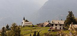Vetan, Valle d'Aosta (1708m). Kerkje boven Vetan 03.jpg