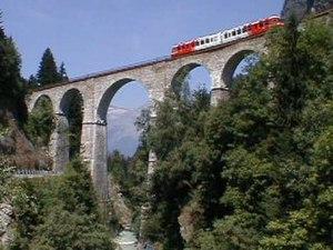 Saint-Gervais–Vallorcine railway - A Z 800 trainset runs over the Sainte-Marie viaduct in summer 2001.