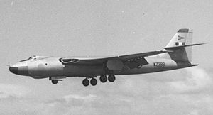 Vickers Valiant - Valiant B(PR)K.1 WZ393 of 90 Squadron in original all-metal finish displaying at Blackpool Squires Gate airport in 1957