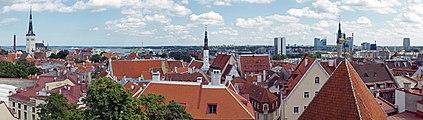 View of Tallinn old town 1.jpg