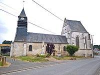 Villers-Vicomte - L'église et le monument aux morts WP 20180711 12 11 37 Pro.jpg