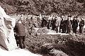 Vlak bratstva in enotnosti - gostje iz Srbije polagajo venec pri spomeniku v Frankolovem 1962 (2).jpg