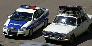 English: Volkswagen Jetta police car and Volga...