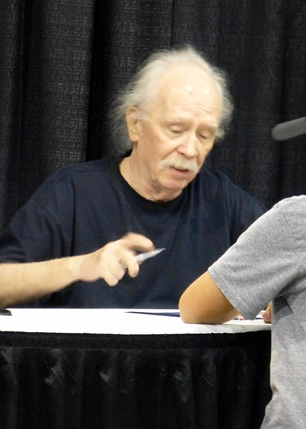 Carpenter at a signing in Chicago, 2014 WW Chicago 2014 - John Carpenter 01 (14872083007).jpg
