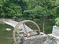 Water wheel in Jiangxi 20110425.jpg