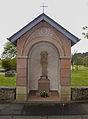 Wegkapelle mit Wegkreuz Comar-Berg, Allée Grande-Duchesse Charlotte 01.jpg