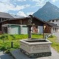 Wiki takes Nordtiroler Oberland 20150604 Brunnen Dorf 6516.jpg