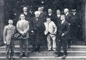 William Coolidge, Willis Rodney Whitney, Thomas Edison, Charles Proteus Steinmitz, Irving Langmuir (front row, left-to-right) (1923).jpg