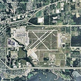 Willow Run Airport - 2006 USGS photo