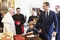 Wizyta w Watykanie (40747742890).jpg