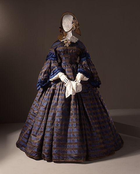 File:Woman's Dress (Wedding) LACMA M.77.77.1.jpg
