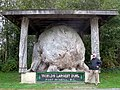 World's Largest Burl (21997371596).jpg