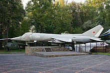 220px-Yakovlev_Yak-38_-2.jpg
