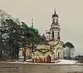 Вознесенская (каменная) церковь. На переднем плане Вознесенская часовня.jpg