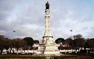 Afonso de Albuquerque Square - The Albuquerque monument in front of the Belém Palace