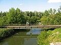 Стрельна. Пешеходный мост через Стрелку 03.jpg