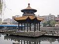 河中的凉亭 - panoramio.jpg