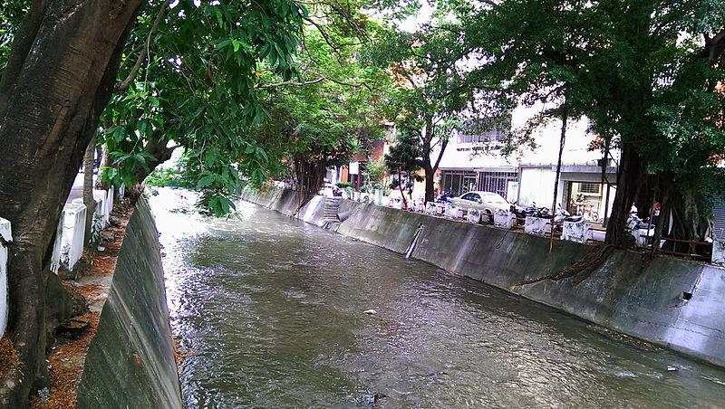File:綠川 舊台中酒廠段.jpg