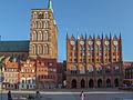 01 Stralsund Rathaus Marktplatz 003.jpg