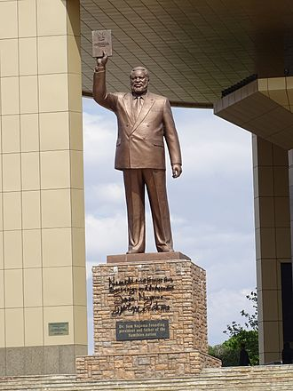 Sam Nujoma - Sam Nujoma statue in front of the Independence Memorial Museum