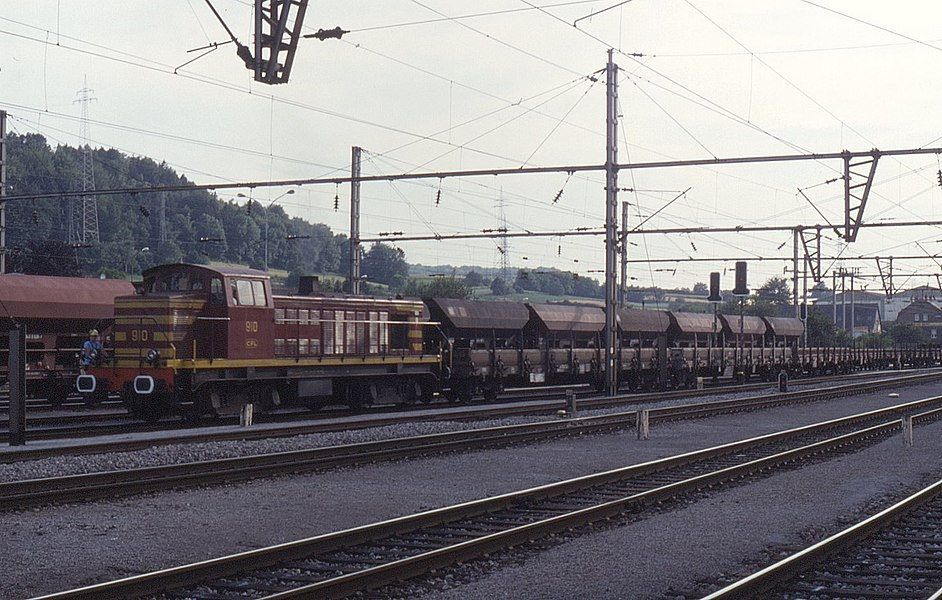 CFL class 900 built by Brissonneau & Lotz being identical to the SNCF class BB63500. Employed on freight works as seen here at Pétange on 9 July 1993.