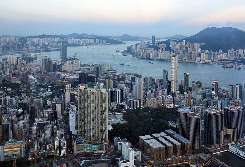 File:13-08-08-hongkong-sky100-31.jpg