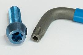 18-04-13-Schrauben-Schlüssel RRK3428.jpg