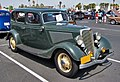 1934 Ford Fordor Deluxe front 3q crop.jpg